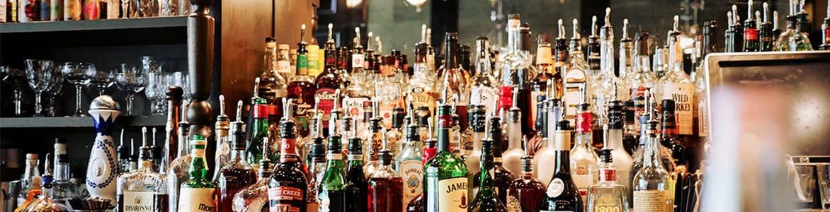 firmenfeier-after-work-alkohol-business-life